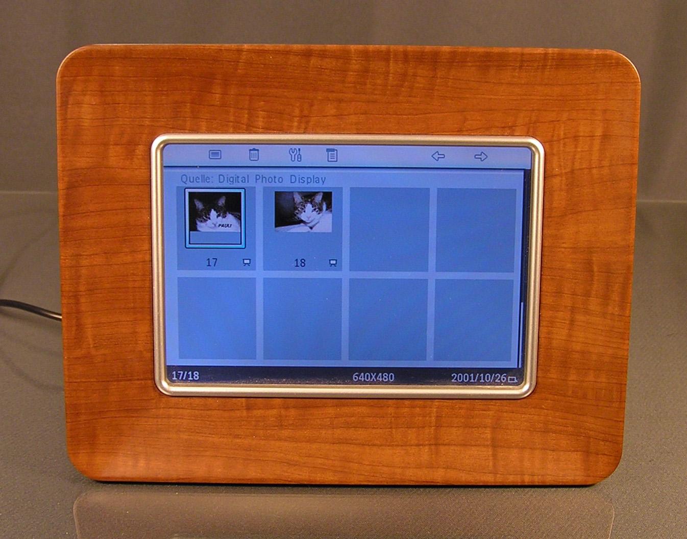 digitaler bilderrahmen holzoptik | memento smart frame digitaler ...