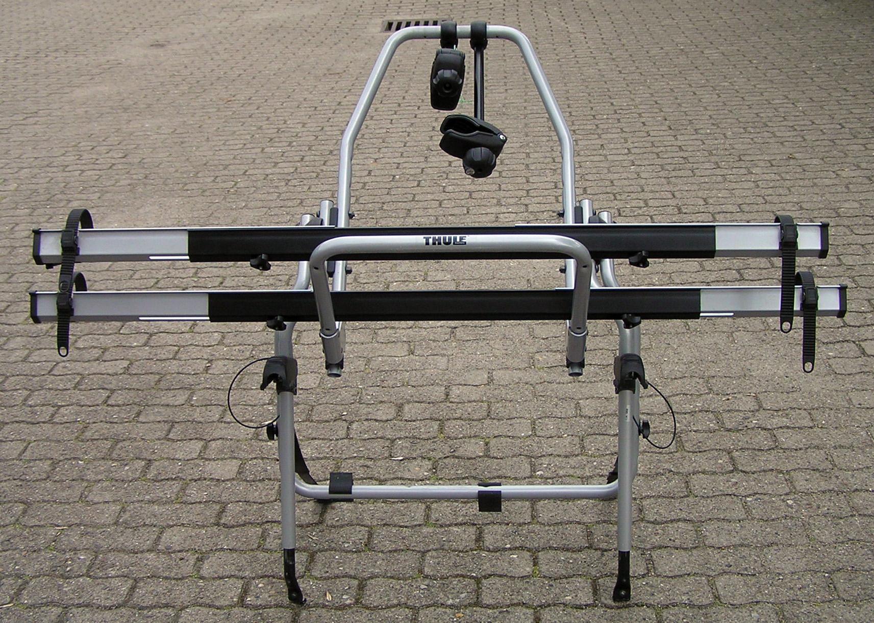 thule clipon high 9106 fahrradtr ger 2er f r kombis und flie heck hecktr ger ebay. Black Bedroom Furniture Sets. Home Design Ideas