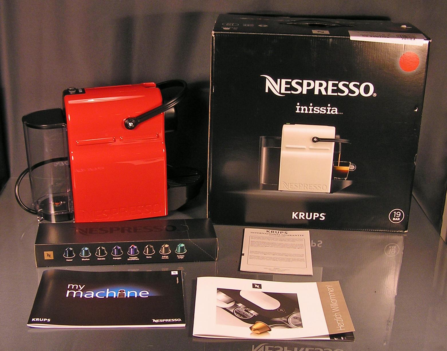 krups nespresso inissia xn1005 ruby red kapselmaschine rot. Black Bedroom Furniture Sets. Home Design Ideas
