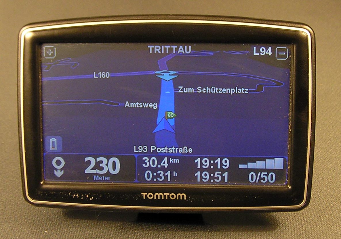 tomtom xxl iq routes edition europe traffic 5 navi 42. Black Bedroom Furniture Sets. Home Design Ideas